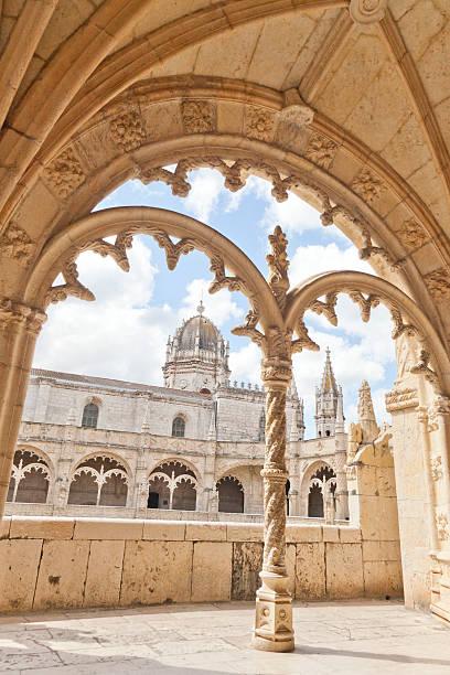 das kloster mosteiro dos jerónimos - lissabon reise stock-fotos und bilder
