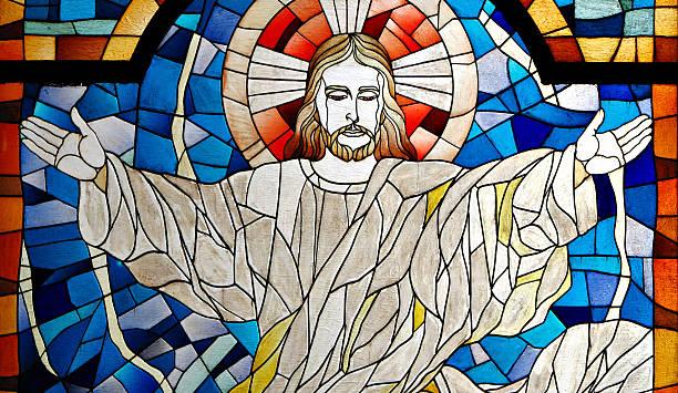 jesus christ church buntglas-fenster - heute ist freitag stock-fotos und bilder