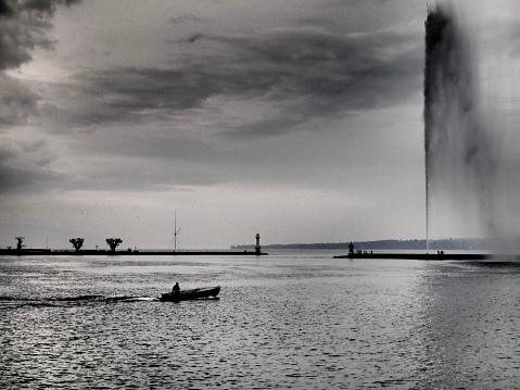 jet d'eau fountain in geneva, swiss