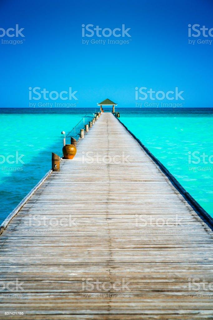Steg am Dhiffushi Holiday Island, Süd Ari Atoll, Malediven – Foto