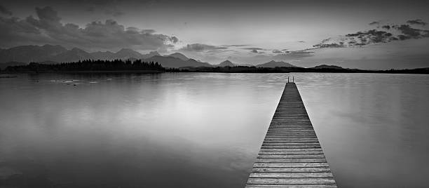 Anlegesteg in einem Mountain Lake – Foto