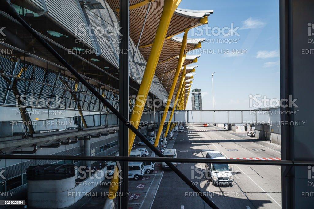 Jetway aéroport Madrid-Barajas - Photo