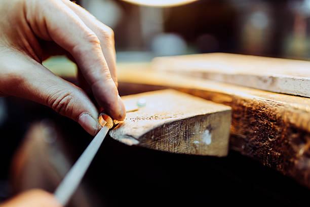 jeweler crafting jewelry - hand gold jewels bildbanksfoton och bilder
