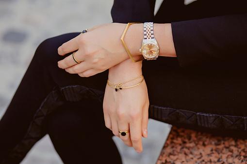 istock Jewellery closeup on female hands 511374700