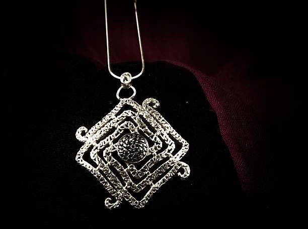 gioielli - earring ring foto e immagini stock