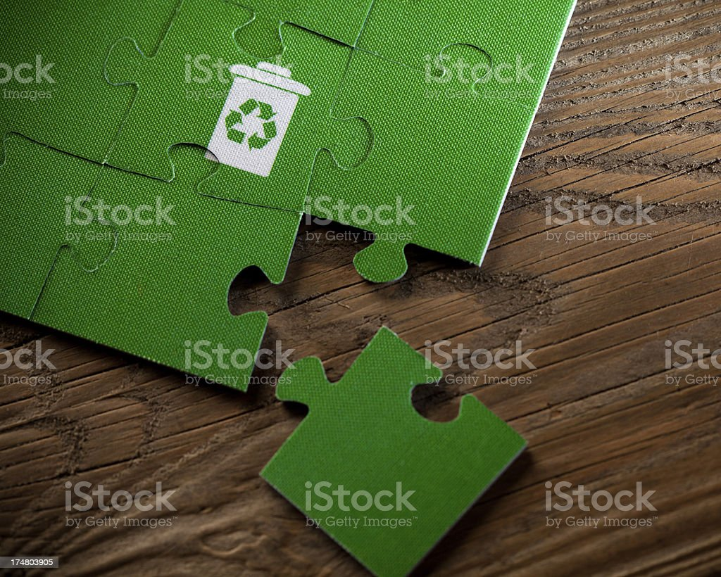 Jigsaw Puzzle - Recycle bin symobl royalty-free stock photo