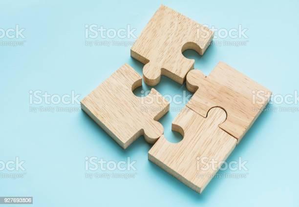 Jigsaw teamwork concept macro shot picture id927693806?b=1&k=6&m=927693806&s=612x612&h=httfgbcdfsjs4nl5isjn8ae0aatn srw8h9jqq300xq=