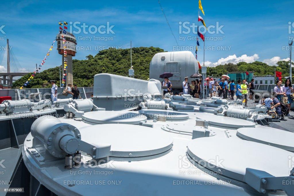 Destruidor de míssil Jinam visitou Hong Kong - foto de acervo