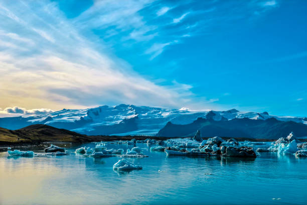 Jökulsárlón Glacier Lagoon in Iceland Jökulsárlón is a large glacial lake in southeast Iceland jokulsarlon stock pictures, royalty-free photos & images
