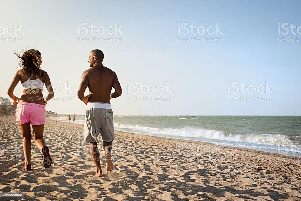 Joggen am Strand – Foto
