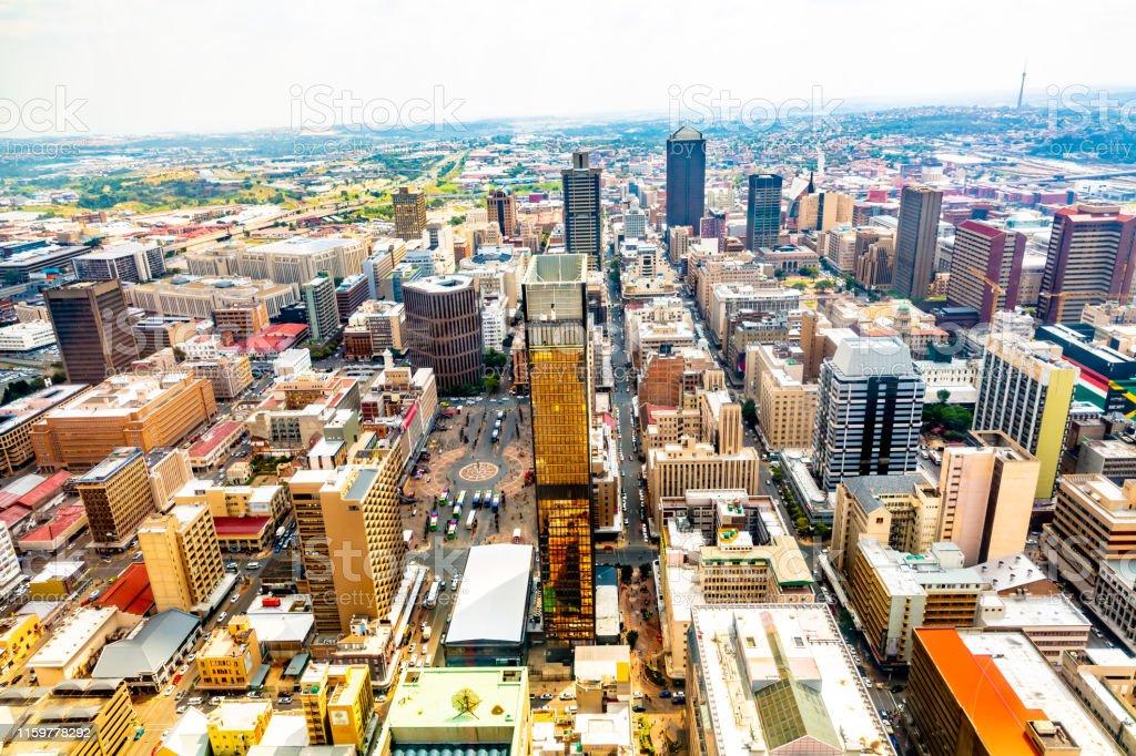 ヨハネスブルグのスカイライン南アフリカ - アフリカのストックフォト ...