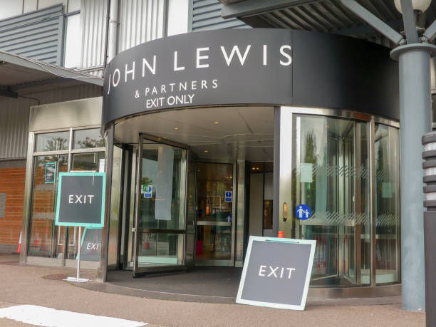 john lewis and partners store exit at holmers farm way, cressex centre, high wycombe - john lewis стоковые фото и изображения