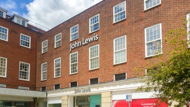 約翰·路易斯後店海拔在韋爾溫花園城市鎮中心 - john lewis 個照片及圖片檔