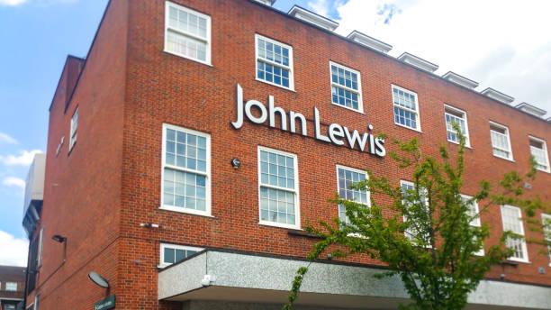 john lewis store side elevation in welwyn garden city town center - john lewis стоковые фото и изображения
