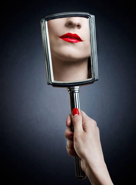 joker make-up - handspiegel stockfoto's en -beelden
