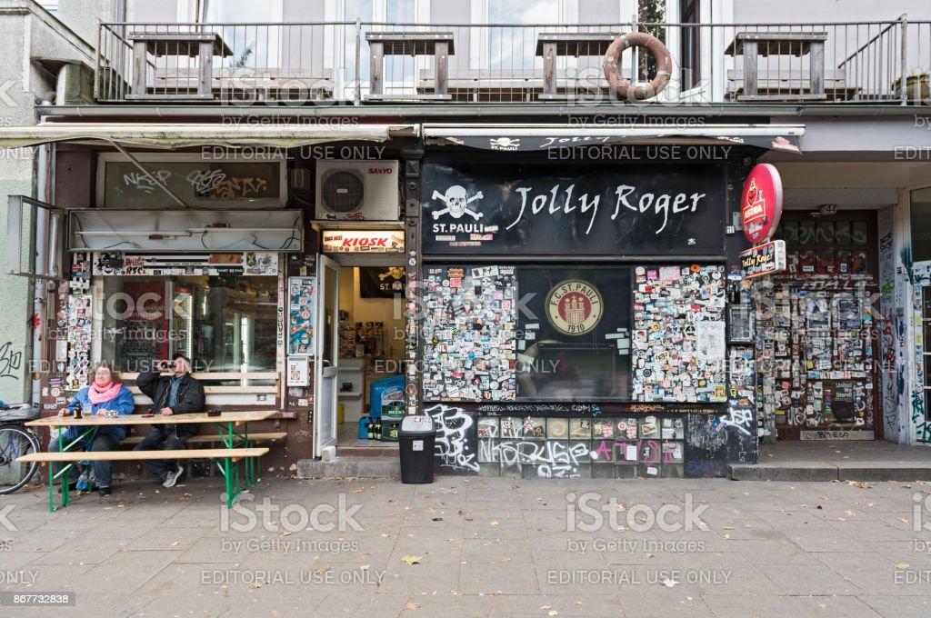 Jolly Roger, barra del club del balompié club FC St Pauli - foto de stock