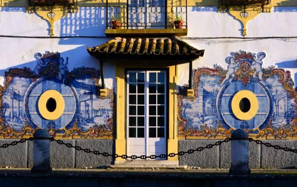 josé maria da fonseca winery-facade, azeitão, portugal - setubal imagens e fotografias de stock