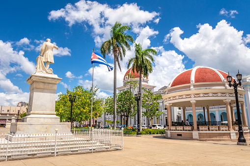 August 6, 2018 - Cienfuegos, Cuba: View of José Martí Park in this Cuban town. In the background is the Town hall. The historic center of Cienfuegos is listed as UNESCO World Heritage Site.