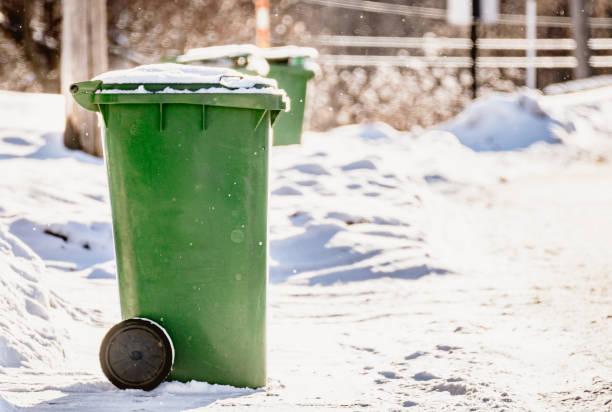 Jour de collecte, Bac matières recyclables stock photo