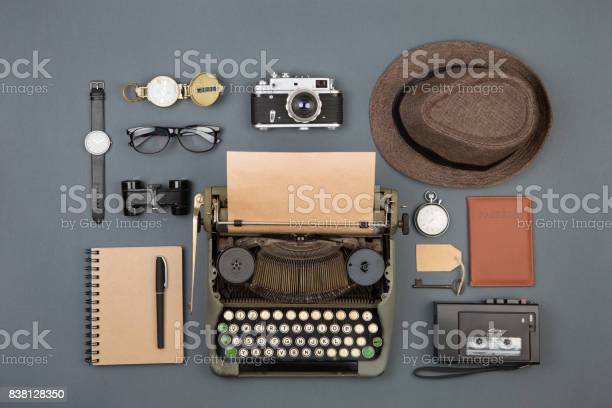 Journalist or private detective workplace typewriter camera hat and picture id838128350?b=1&k=6&m=838128350&s=612x612&h=qoqgigxpoujwwe7wuutegrcmw1ia6g0gmoogejasif8=