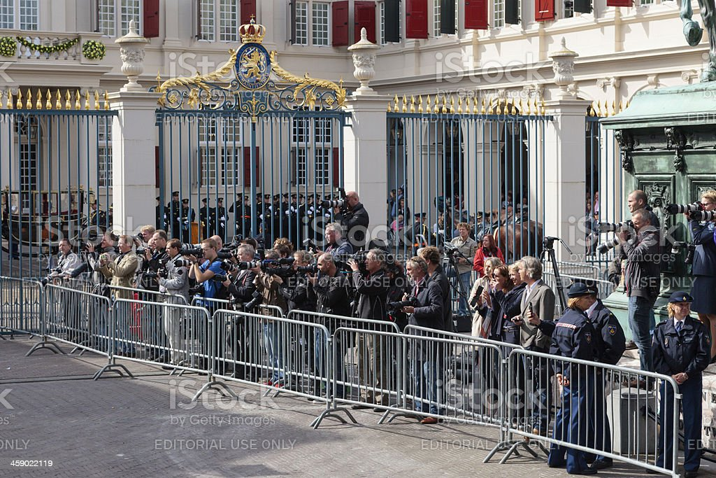 journalists waiting for the arrival of Queen Beatrix stock photo