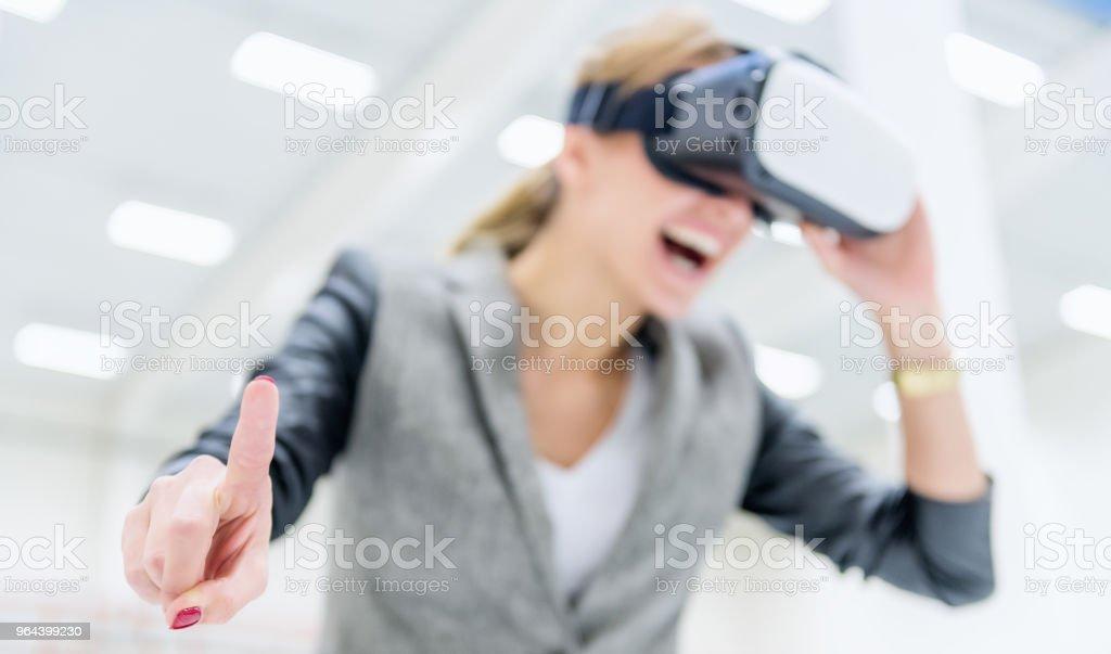 Alegria em realidade virtual & gerente - Foto de stock de 25-30 Anos royalty-free