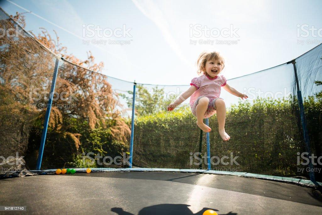 Joy - Trampolin Springen – Foto