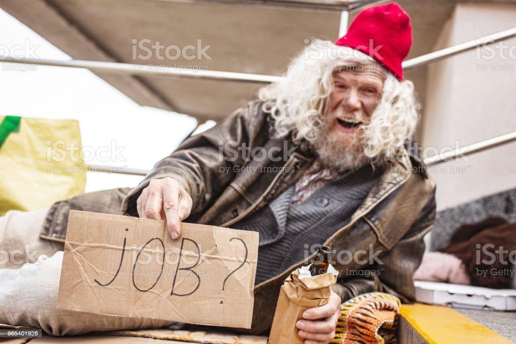 Joyeux homme ivre à la recherche d'un emploi - Photo de Adulte libre de droits
