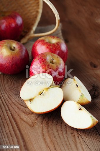 1020586746istockphoto Juicy fresh apples 484731130