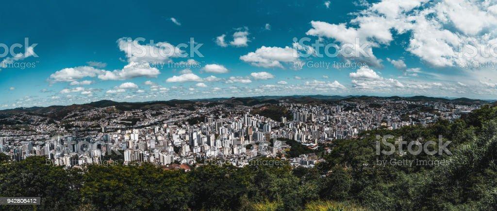 Juiz De Fora Panorama Stadtbild von einem Höhepunkt – Foto