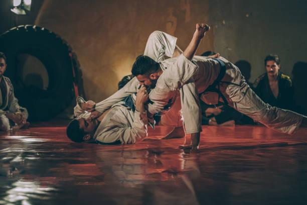 habilidades de jiu-jitsu na prática - cultura brasileira - fotografias e filmes do acervo