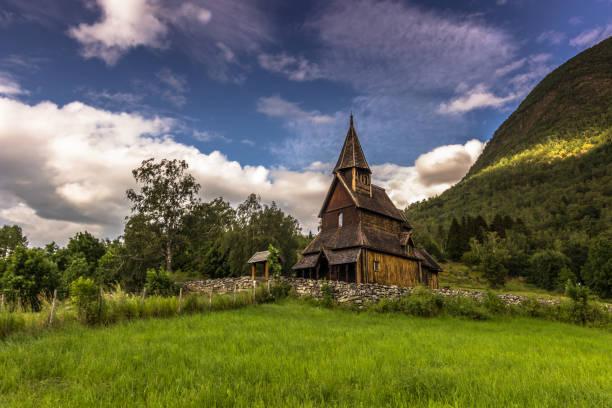 23. Juli 2015: Die Daube Kirche von Urnes, Norwegen – Foto