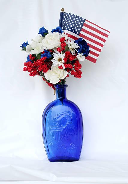 july fourth arrangement - flower bouquet blue and white bildbanksfoton och bilder