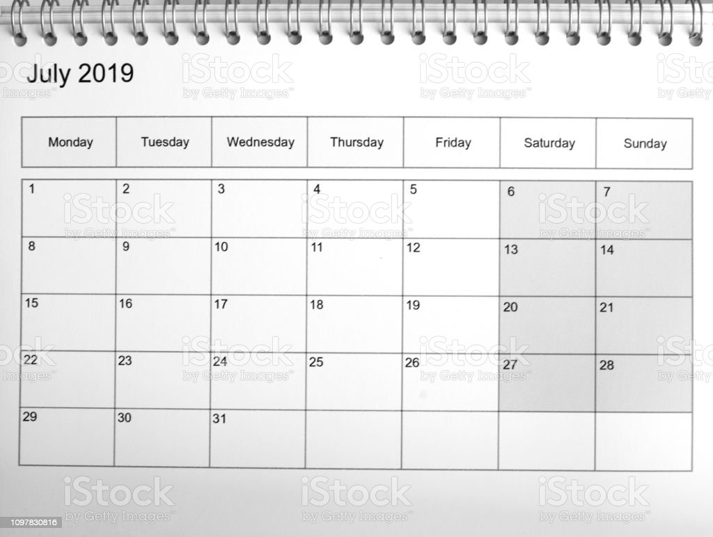 Calendario Mes De Julio.2019 Impresa Del Mes De Julio En Una Plantilla De Calendario Foto De