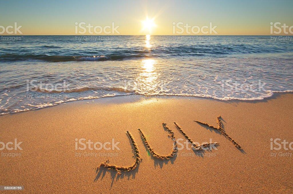 Juli Wort auf das Meer – Foto