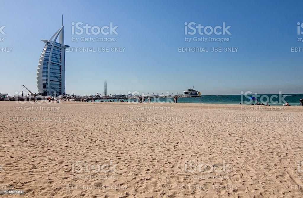 Spiaggia di Jumeirah, Burj al Arab Hotel di Dubai foto stock royalty-free