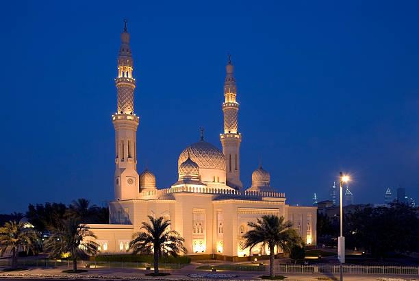 moschee von jumeirah, dubai - jumeirah stock-fotos und bilder