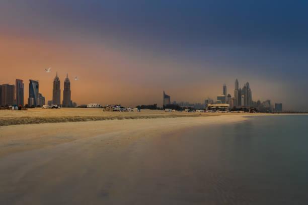 jumeirah-strand von duba - hotels in kopenhagen stock-fotos und bilder