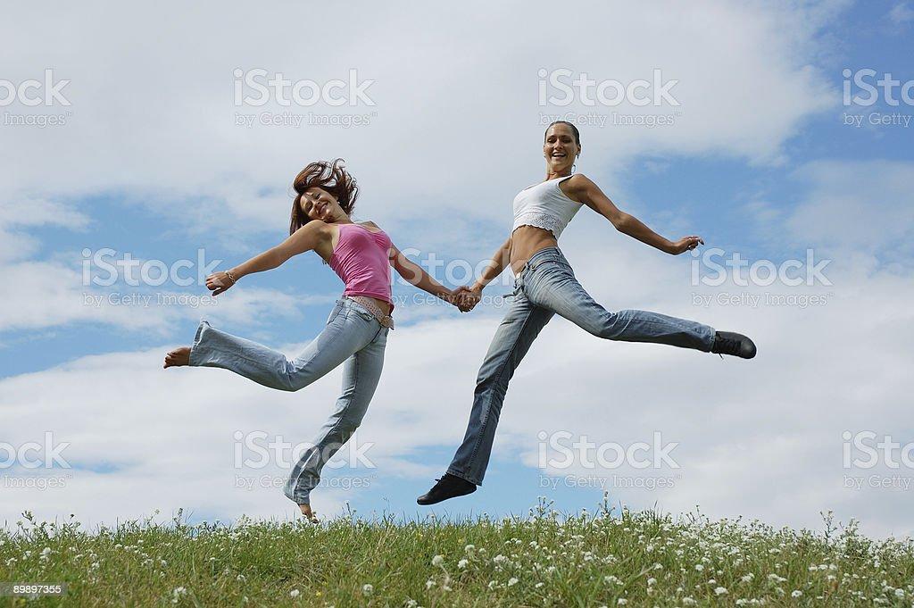 Прыжки девочек Стоковые фото Стоковая фотография