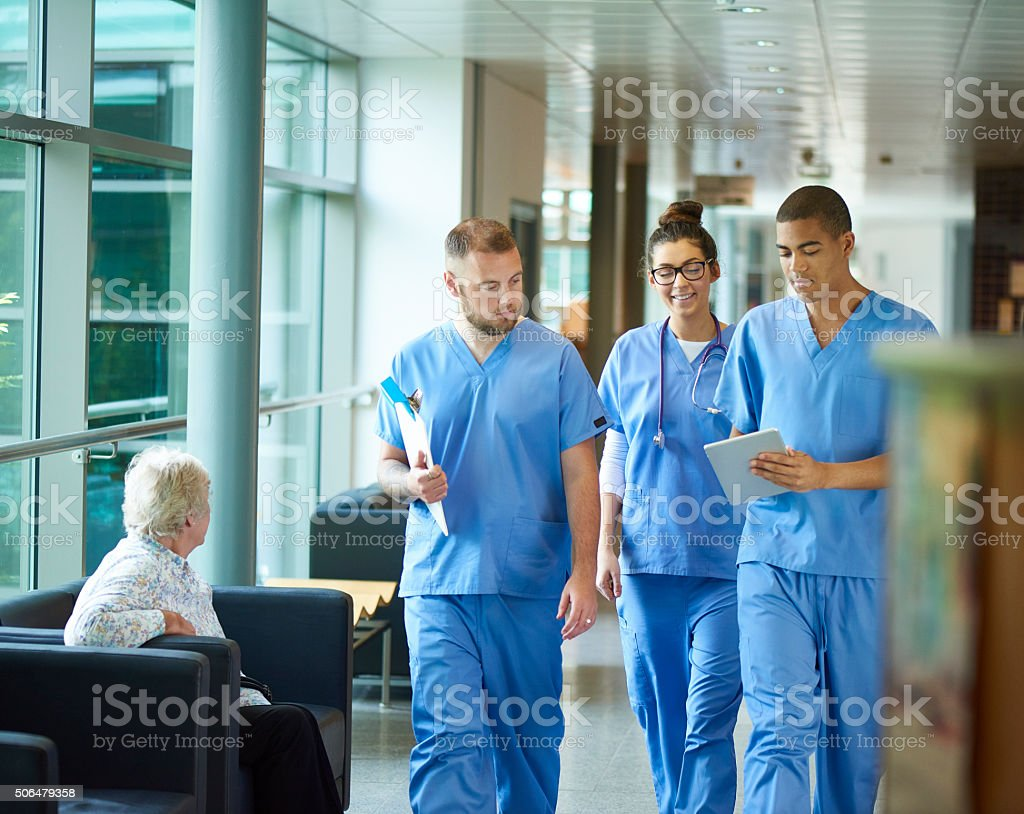 Los médicos en formación - foto de stock