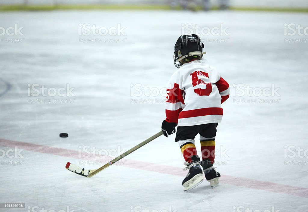 Junior de hockey sobre hielo. - foto de stock