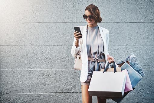 Ik Heb Net Een Winkelen Verkoop Dicht Door Gevonden Stockfoto en meer beelden van 20-29 jaar