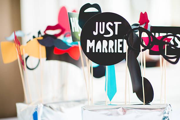 just married hochzeit dekoration details - hochzeitsbilder stock-fotos und bilder