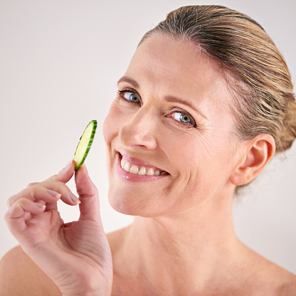 491713766 istock photo Just the thing to freshen up your skin 491714012