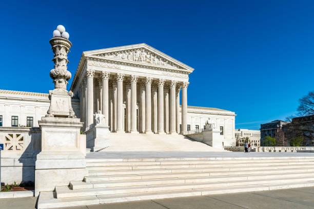 amerika birleşik devletleri yüksek mahkemesi 'nde adalet - abd yüksek mahkemesi binası stok fotoğraflar ve resimler