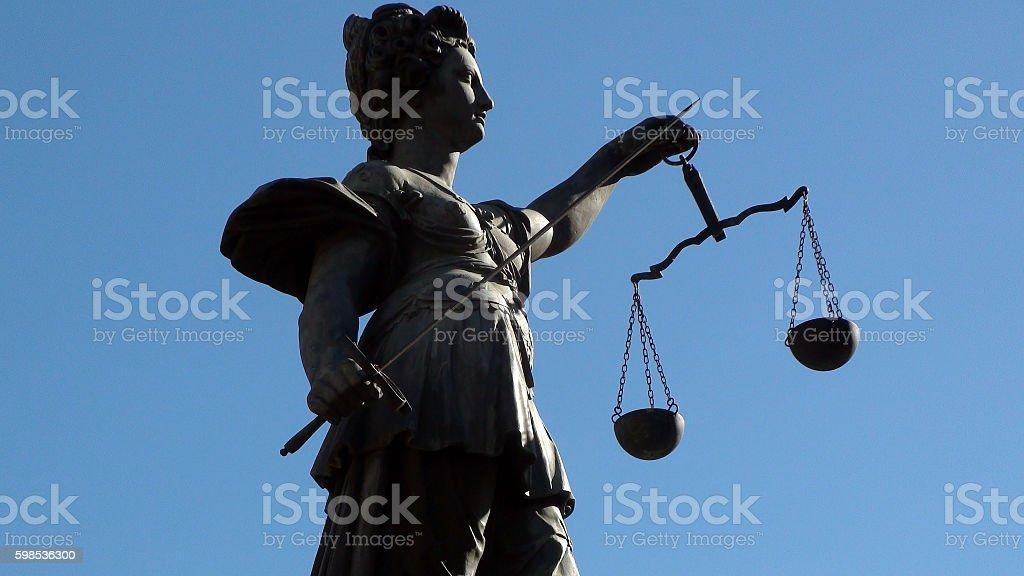 Justice Statue In Frankfurt Germany photo libre de droits
