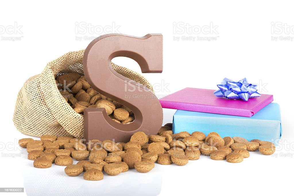 Jute bag, giant S letter, ginger nuts and gifts stock photo