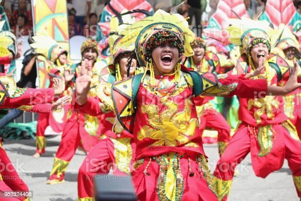 Kadayawan festival davao city photos picture id952324408?b=1&k=6&m=952324408&s=612x612&h=h0kqew6asqiikomgyxbedgqtyap2nspuvjayk3ol uk=