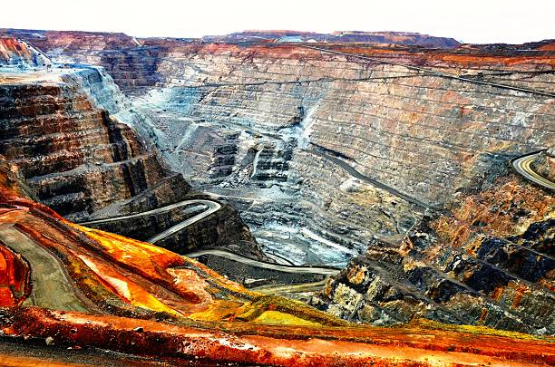 kalgoorlie super pit gold mine - gold mine stock photos and pictures