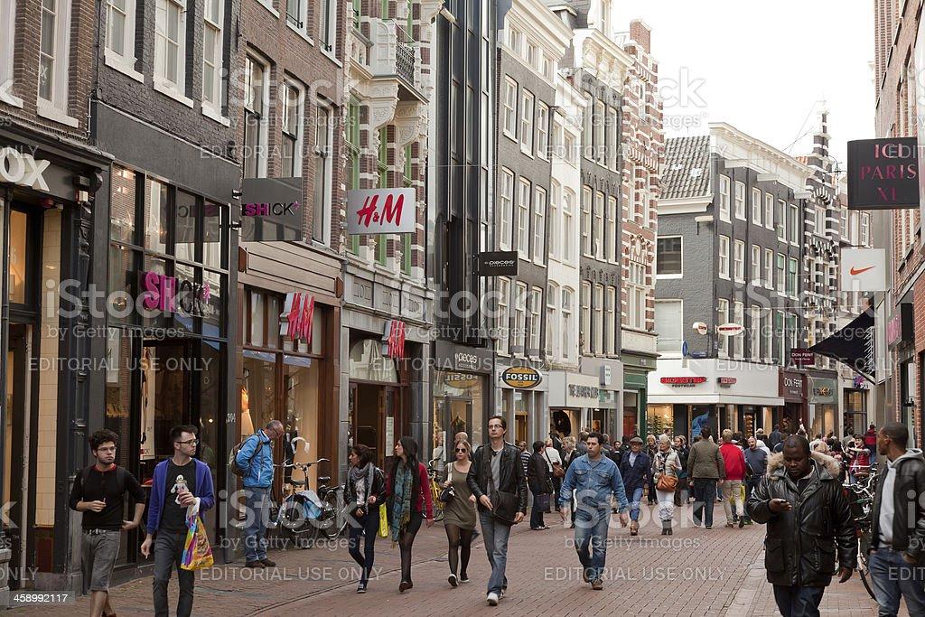 Tassen Kalverstraat Amsterdam : Kalverstraat amsterdam stock photo istock